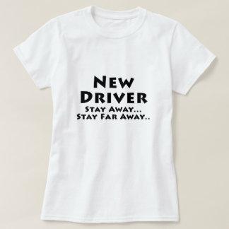 El nuevo conductor permanece lejos estancia lejos playera