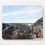 El nuevo puente de puente del Preso Hoover Tapetes De Ratón