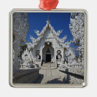 El nuevo todo el templo blanco de Wat Rong Khun ad Ornatos