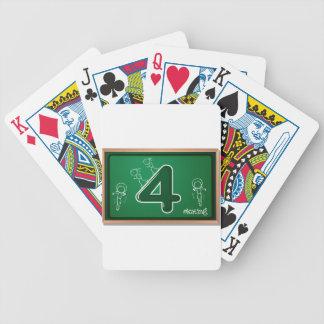 El número 4 barajas de cartas