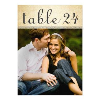 El número de la tabla de la foto del boda carda el anuncios personalizados