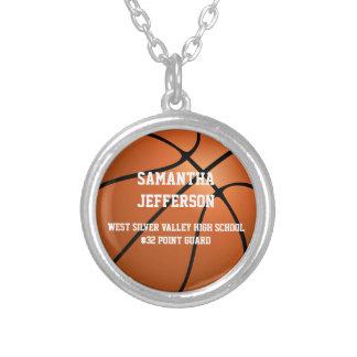 El número personalizado del nombre del baloncesto collar plateado