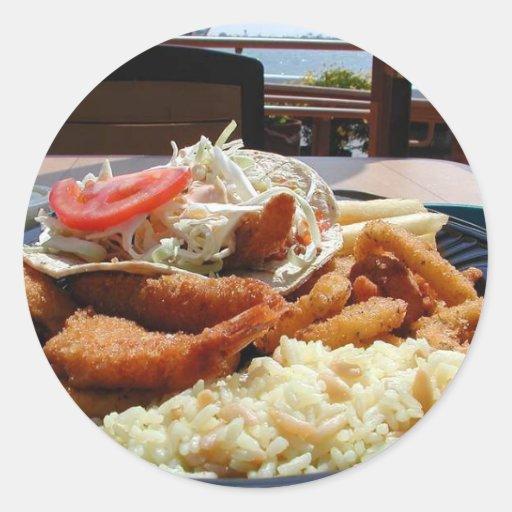 El océano aúlla placa frita comida del arroz de pegatina redonda