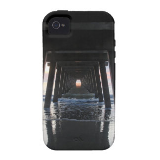 El océano y Pier.jpg Case-Mate iPhone 4 Fundas