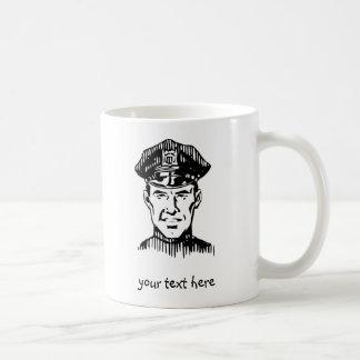 El oficial de policía personaliza taza clásica