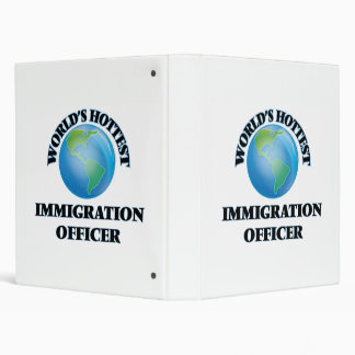El oficial más caliente de la inmigración del