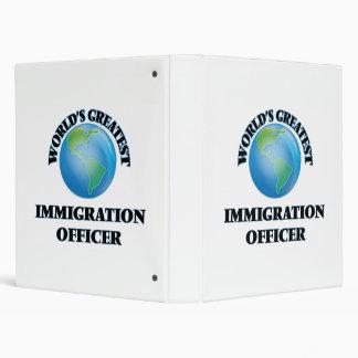 El oficial más grande de la inmigración del mundo