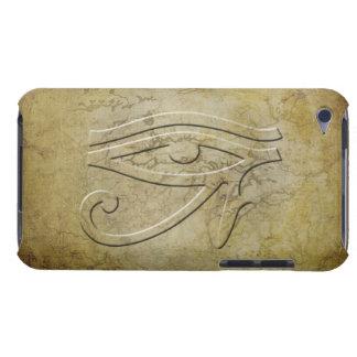 El ojo de Horus - mirada grabada en relieve Barely There iPod Carcasas