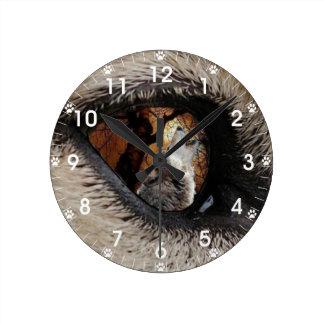 El ojo del lobo reloj redondo mediano