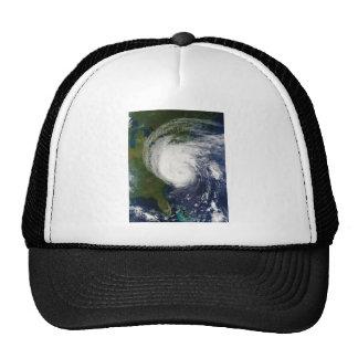 El ojo huracán Isabel del 18 de septiembre de 2003 Gorro