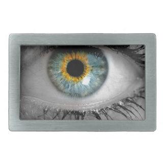 El ojo mira a la macro del concepto del espectador hebillas cinturon rectangulares