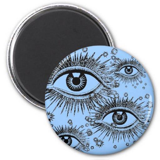 El ojo místico ve todo el globo del ojo el mirar d imán de nevera