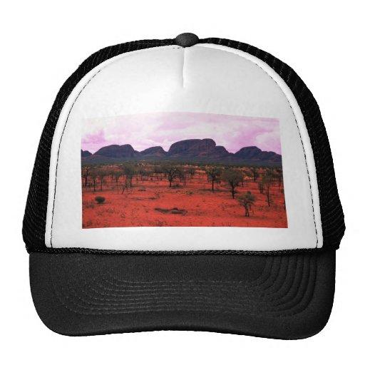 El Olgas en la distancia, desierto de Australia Gorras De Camionero