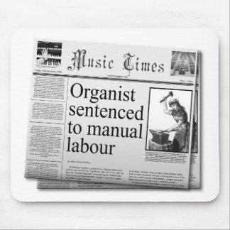 El organista pone título al mousepad (el deletreo  tapete de ratones