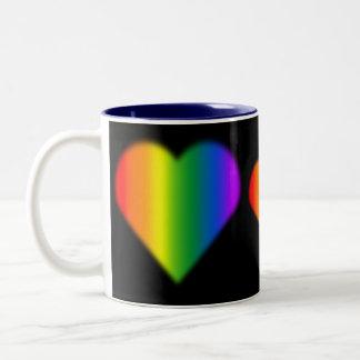El orgullo gay ahueca las tazas del amor del arco