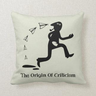 El origen de las críticas cojín