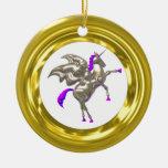 El ornamento de la ilusión del oro añade la adorno