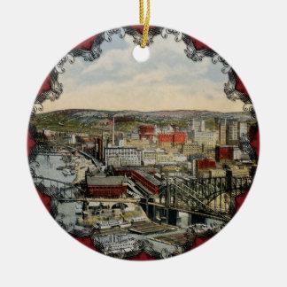 El ornamento del punto 1931 de Pittsburgh Adorno Navideño Redondo De Cerámica