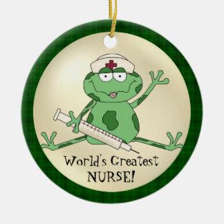 El ornamento más grande de la rana de la enfermera adorno navideño redondo de cerámica