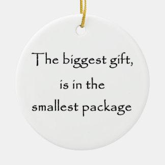 El ornamento más grande del regalo-círculo adorno de navidad