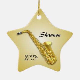 El ornamento personalizado del jugador de saxofón adorno navideño de cerámica en forma de estrella