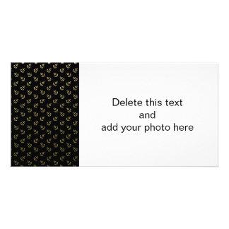 El oro ancla el modelo negro del fondo tarjeta personal con foto