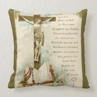 El oro del rezo del rosario de la biblia del cojín