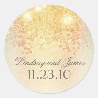 El oro elegante del vintage enciende el boda pegatina redonda
