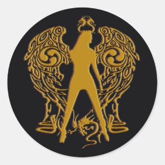 El oro graba en relieve a los pegatinas del ángel pegatina redonda