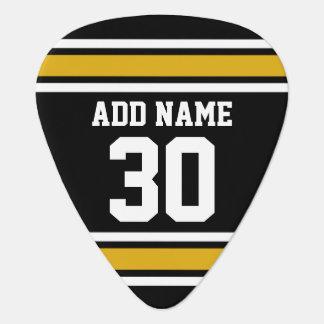El oro negro se divierte el jersey con su nombre y uñeta de guitarra