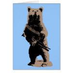 El oso arma al oso grizzly tarjetón