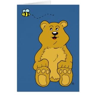 El oso de Brown y manosea la abeja Felicitación