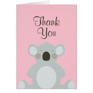 El oso de koala lindo le agradece cardar tarjeta pequeña