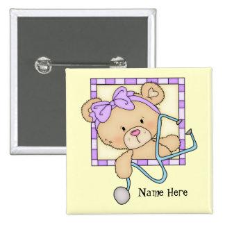 El oso de la enfermera del dibujo animado añade el pin cuadrado