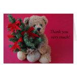 el oso de peluche con el árbol de navidad le agrad tarjeta