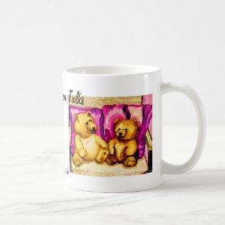 El oso de peluche habla el arte y el diseño de taza clásica