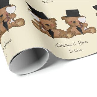 El oso de peluche prepara el boda papel de regalo