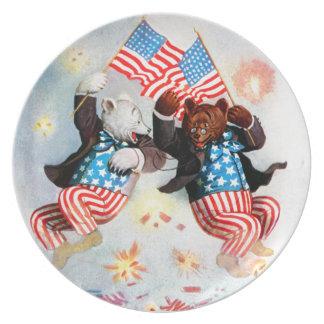 El oso del patriota celebra el cuarto de julio platos de comidas