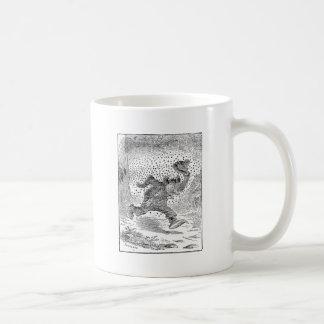 El oso es perseguido por un enjambre de abejas taza de café