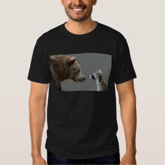 El oso Grizzle resuelve el mapache Remeras