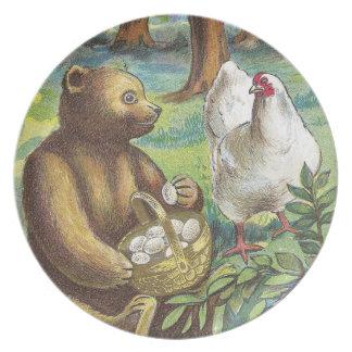 El oso pone los huevos de gallina en el vintage Pa Plato De Cena