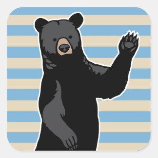 El oso que agita dice hola, rayado pegatina cuadrada