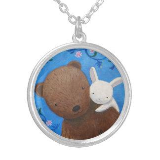 El oso y el conejito aman para siempre arbolado colgante redondo