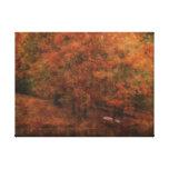 El otoño aherrumbra lona estirada galerías