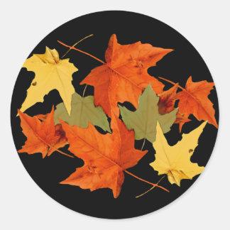 El otoño colorea al pegatina