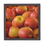 El otoño de las manzanas de la fruta colorea desti cajas de regalo de calidad