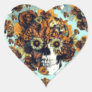 El otoño subió el cráneo en suavemente azul y pegatina en forma de corazón