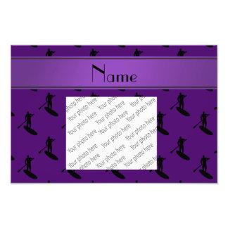 El paddleboarding negro púrpura conocido cojinete