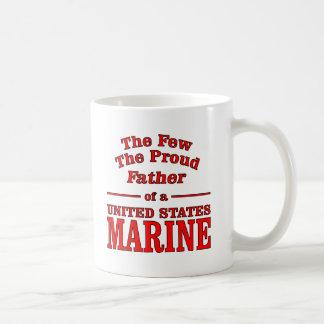 El padre orgulloso de un infante de marina de taza clásica