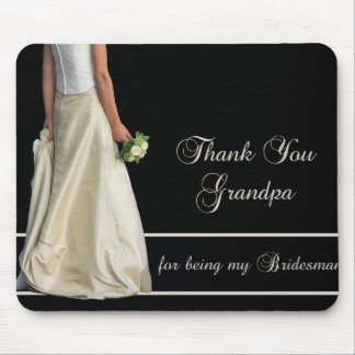 El padrino de boda del abuelo le agradece tapete de raton